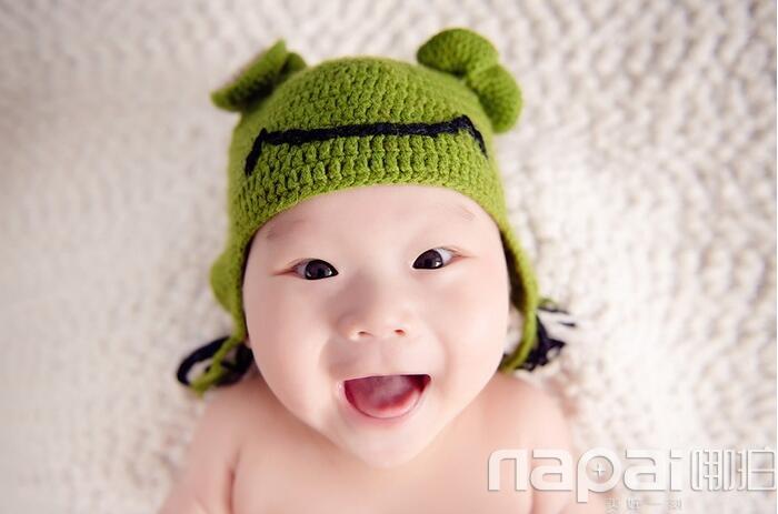 唯美笑脸可爱小女孩艺术照-哪拍网摄影